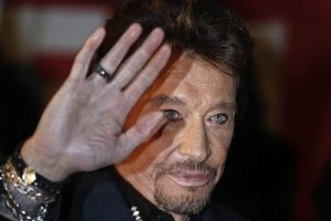 johnny-hallyday-salut-reuters-930620
