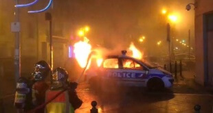 1543688315_voiture-police-incendiee